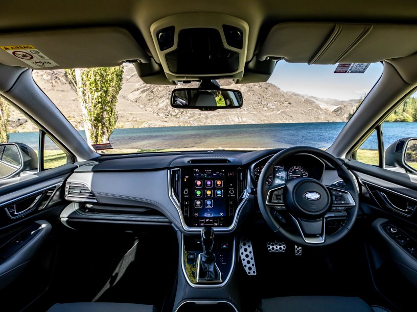 2021 Outback X interior cockpit